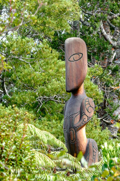 Modern style New Zealand Maori carving, guardian of the forest