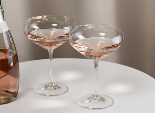 Glasses with rose wine