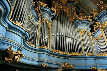 Organy w kosciele, Archiopactwo Ojcow Cystersow i Kosciol Wincentego Kadlubka w Jedrzejowie,