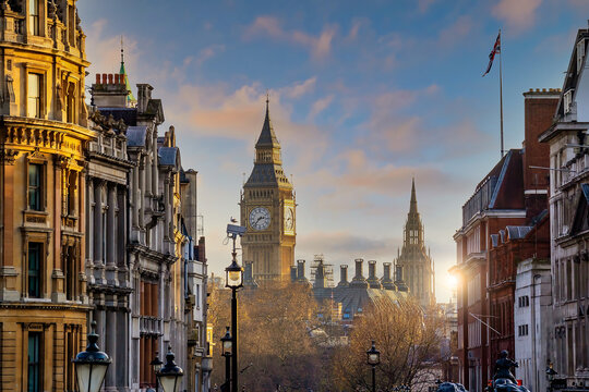 London city skyline with Big Ben and Houses of Parliament, cityscape in UK