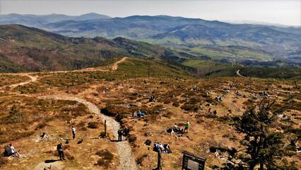 Widok z wieży widokowej na Baraniej Górze