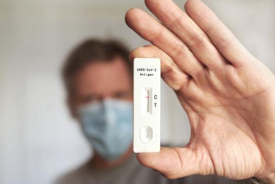 Schnelltest, Coronatest, Antigen-Test Sars-Cov-2