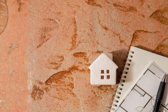 家・自宅・引越し・生活。地盤や災害、建設・不動産のイメージ。