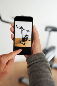 sells an exercycle on an online marketplace app