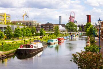 Fototapeta Bright, sunny day in London Hackney obraz
