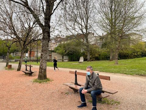 Détente au parc pendant la Covid 19