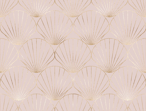 Art deco seamless pattern with gold decorative shell tile.