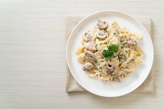 farfalle pasta with mushroom white cream sauce