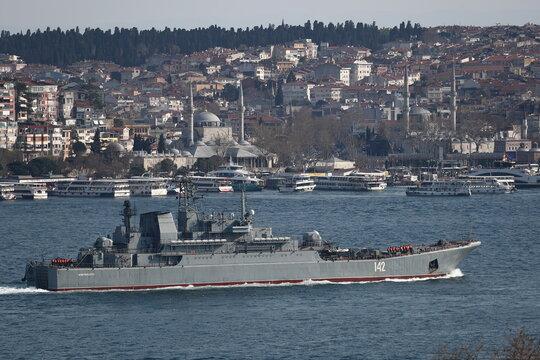 Russian Navy's large landing ship Novocherkassk sets sail in Bosphorus