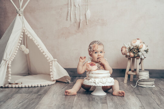 Cake smash kleines Kind Baby Torte essen erster Geburtstag Dekoration vintage boho - Variation 5