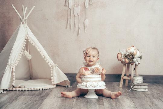 Cake smash kleines Kind Baby Torte essen erster Geburtstag Dekoration vintage boho - Variation 13