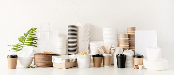 Obraz Eco friendly disposable tableware and eating utensils on table - fototapety do salonu