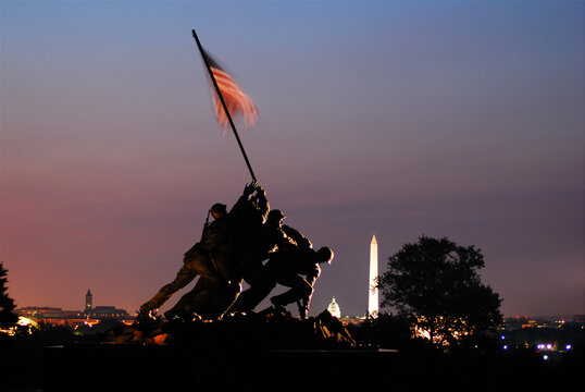 Sunrise t5wilight glows at Marine Corp Memorial near Washington DC