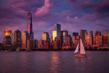 Widok na Manhattan wieczór po burzy