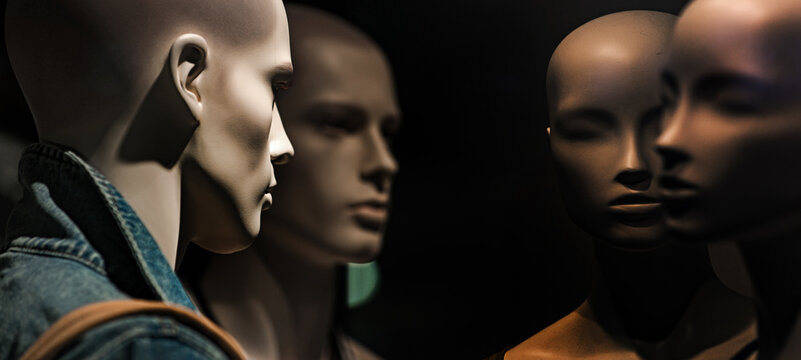 Group of head mannequin or dummy in fashion shop.