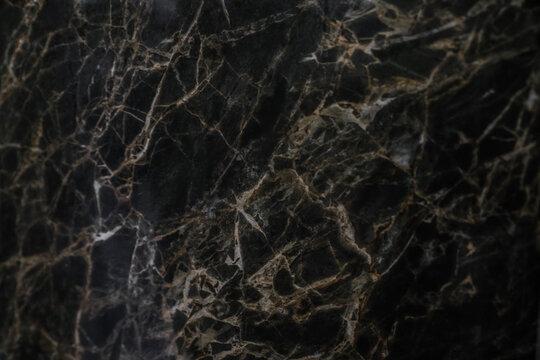 Marbre noir avec veines blanches