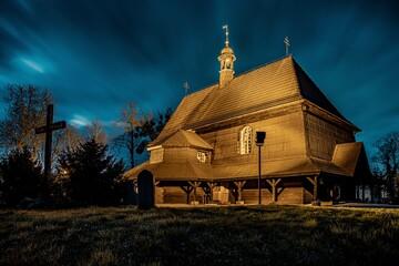 Fototapeta drewniany kościół św. Anny w Czarnowąsach (województwo opolskie) obraz
