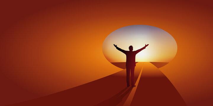 Concept de l'espoir d'une libération ou d'une guérison avec un homme heureux, qui lève les bras en voyant la sortie du tunnel.