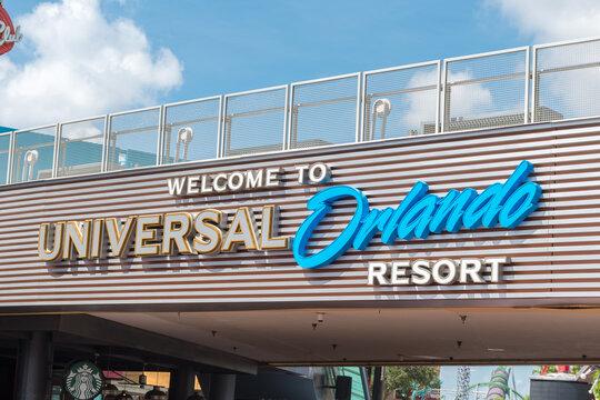 Welcome to Universal resort sign at Universal Studios Orlando.