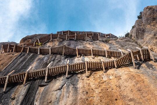 Montfalco footpath, Huesca province, Spain