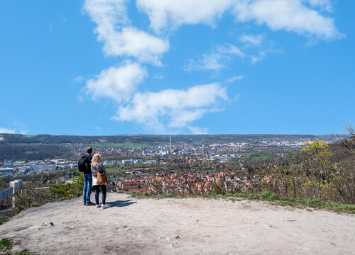 Lobedeburgblick auf die Stadt Jena in Thüringen
