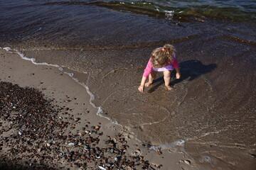 Plaża dziecko morze bałtyckie