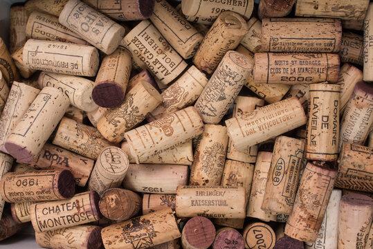 Weinkorken von Weingütern der ganzen Welt