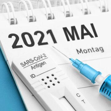 Corona Antigen Test und Impfung mit Kalender Mai 2021