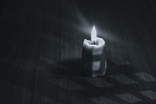 candle in the dark, lattice
