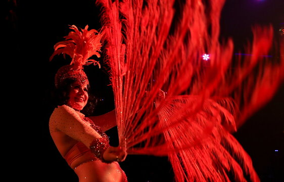 Burlesque dancer Tamasinushka performs during DragLesque Show in Moscow