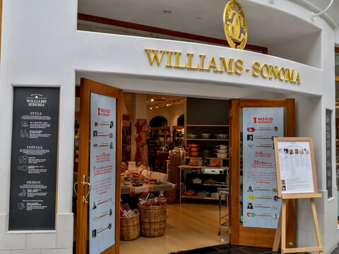 Cheektowaga, NY, USA - September 22, 2019: Williams-Sonoma store at the mall in Cheektowaga, NY, USA.  Williams-Sonoma, Inc. is an American retail company that sells kitchen-wares and home furnishings