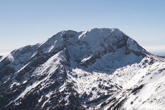 Spain, Palencia, Cardano de Arriba, Snowy Murcia Peak