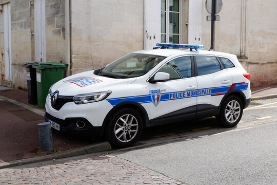 car police municipale french Municipal police logo and sign on Renault suv vehicle