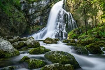 Obraz Wodospad - fototapety do salonu