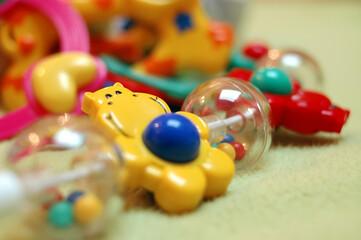 Obraz Dziecięce zabawki pełne kolorów - fototapety do salonu