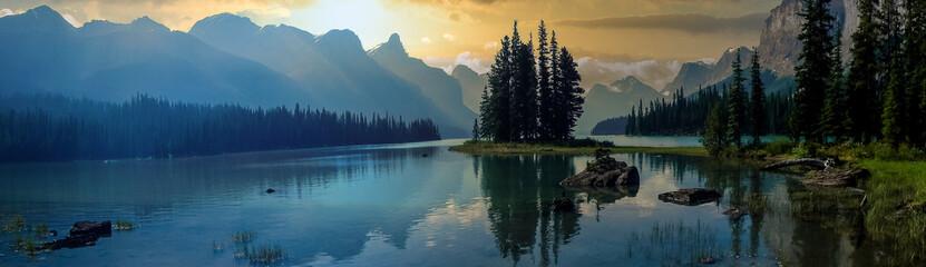 Fototapeta wonderful lake in the mountain outside the city obraz