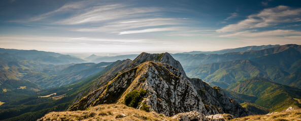 Fototapeta Hiking on Piatra Craiului mountain ridge  obraz
