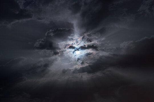 Raggi Lunari con Luna e Corona