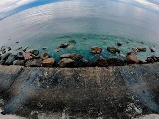 kamienie i woda