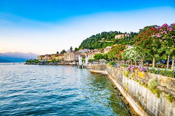 Fototapeta Blick auf Bellagio am Comer See mit seine wunderschönen Altstadt, Italien obraz
