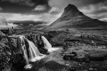 Kirkjufell, Islandia - fototapety na wymiar