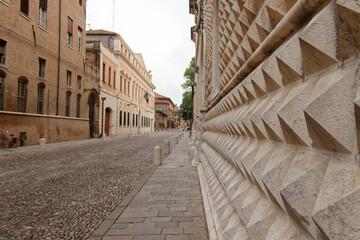 Fototapeta Ulica starego miasta w Ferrarze, Włochy obraz