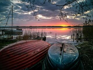 Fototapeta Wschód słońca nad Jeziorem Wełtyń obraz