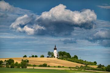 Fototapeta Samotny kościółek obraz