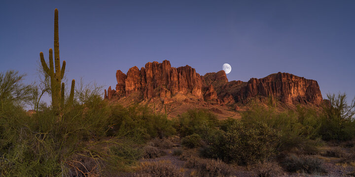 Moonrise over the Superstition Mountains east of Phoenix, AZ
