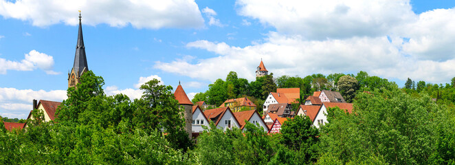 Obraz Möckmühl, Panoramablick auf die Stadt - fototapety do salonu
