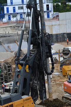 foreuse de pieux pour fondations de bâtiment