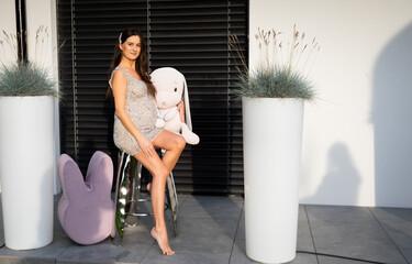 Obraz Kobieta w ciąży portret - fototapety do salonu