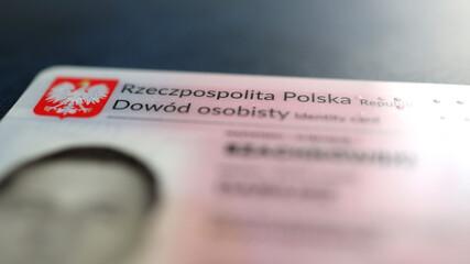 Obraz Polski dowód osobisty identyfikujący osoba.  - fototapety do salonu