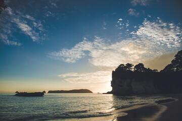 Cathedral Cove in de ochtend, Hahei, Coromandel Peninsula, Nieuw-Zeeland
